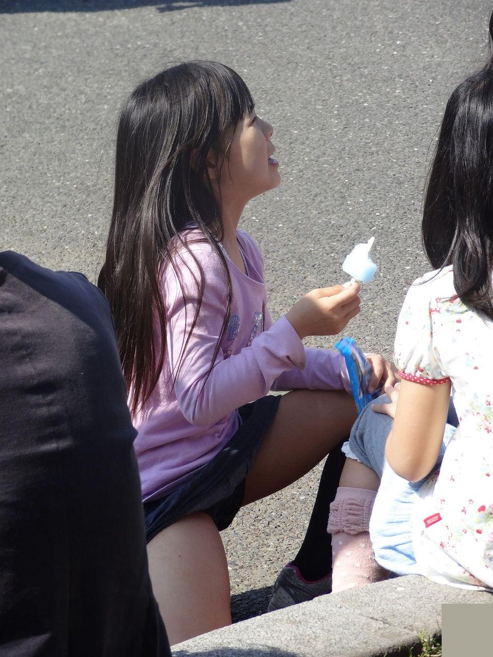 2chan js パンモロ 女子○学生のパンツ、パンチラ画像pt24
